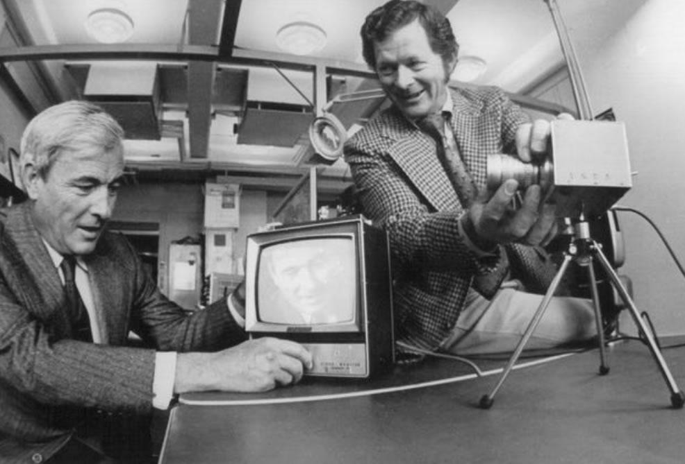 George E. Smith i Willard Sterling Boyle su izumili CCD