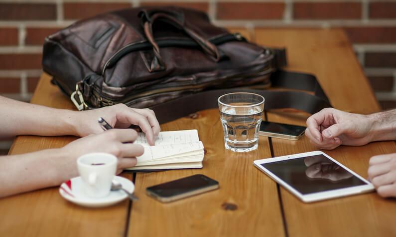 Rad i sastanci u kafani
